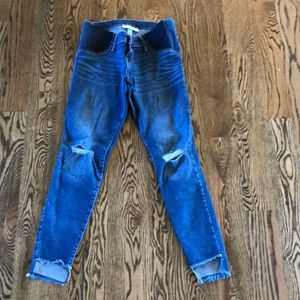 Side panel distressed maternity jeans